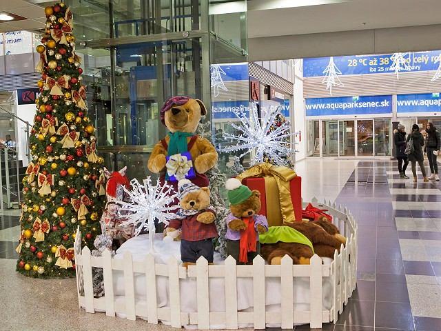 V MAX-e spustili vianočnú výzdobu, chystajú Polárne dobrodružstvo