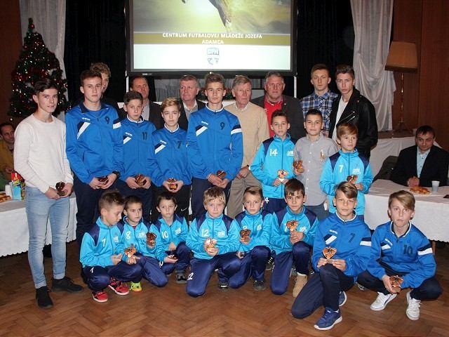 Adamec, Klinovský a Majerníkovci zožali v Krakovanoch potlesk, prišli osláviť mládežnícky futbal