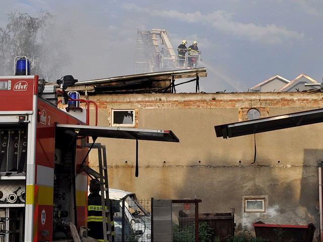 FOTO: V pivovari Sessler horelo, krajom sa prehnala ničivá búrka