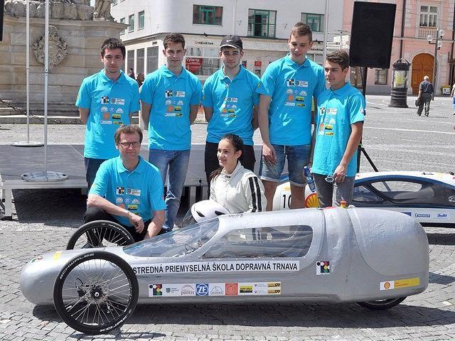 Trnava má šikovných študentov, zostavili elektromobil, ktorý uvidí aj Londýn