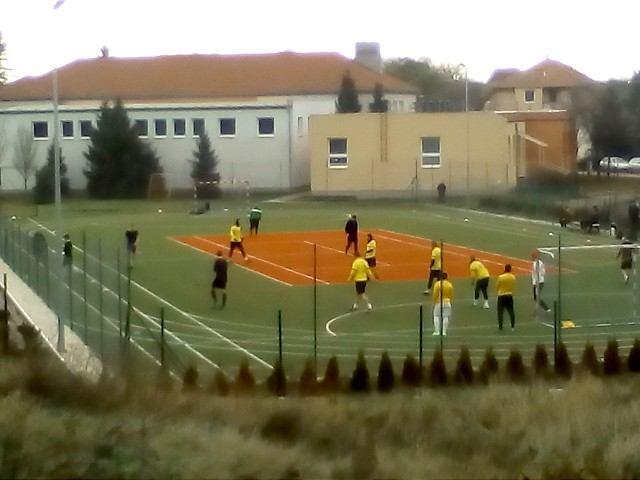 Trakovická futbalová interliga: Priebeh prvého kola narušila dopravná nehoda