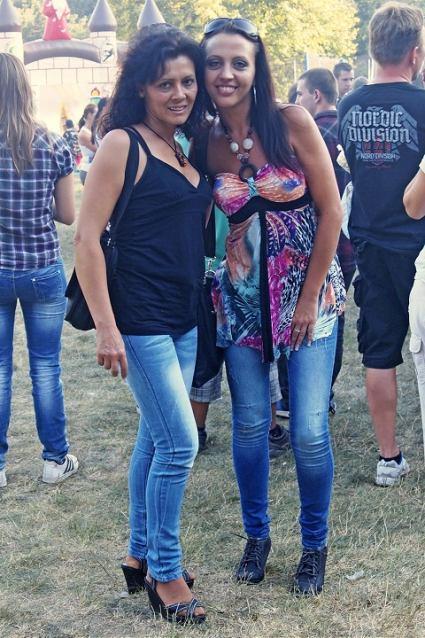 Módna polícia: Pod zámkom na koncerte elegantne i športovo