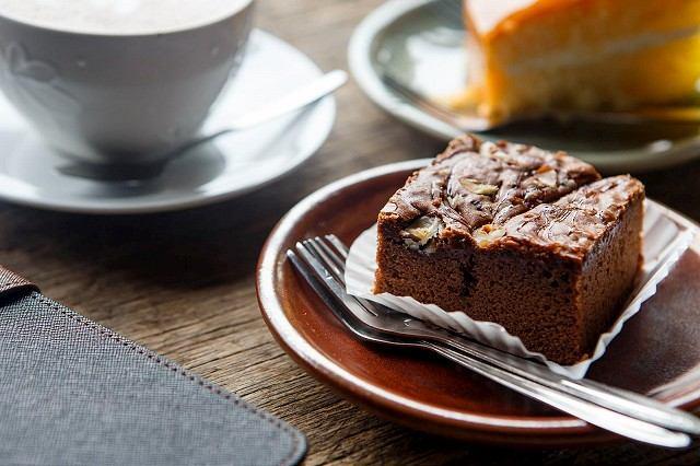 RECEPT: Poctivý kávový koláč
