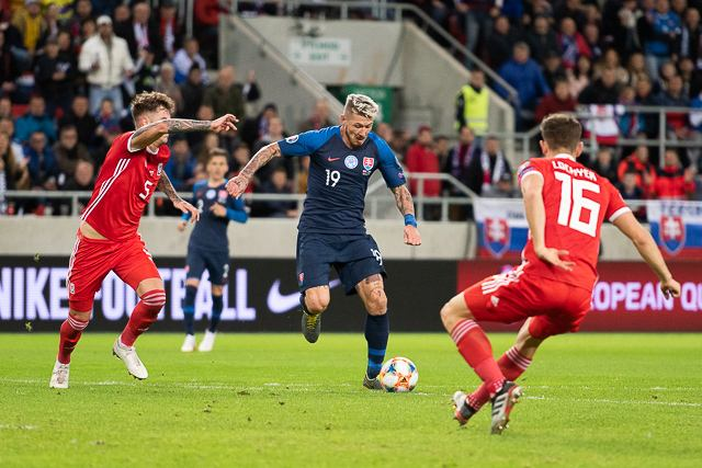 Slovensko pred vypredaným trnavským štadiónom remizovalo s Walesom