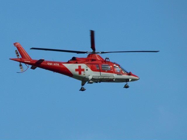 Do Hlohovca volali leteckých záchranárov, ročný chlapec sa obaril horúcou tekutinou