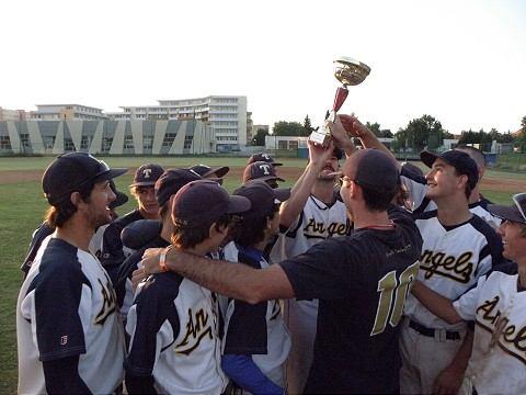 Angels vyhrali prvú bejzbalovú ligu