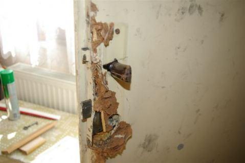 Uprostred dňa vykradla nepodarená dvojica dom na Parkovej ulici ... 35f9fcebc51