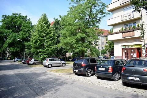 Mesto zavedie na Ulici Ľudmily Podjavorinskej rezidentské parkovanie