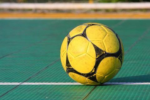 Okresný futsal: Olympic deklasoval Palermo, Družbané zabrali naplno