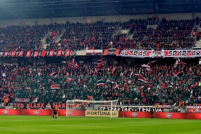 Trest pre fanúšika Spartaka: Za hajlovanie sa musí rok hlásiť počas zápasov na polícii