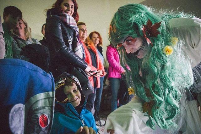 Deti na Smolenickom zámku privítajú strašidlá, dospelých pozývajú do obce na medovinu