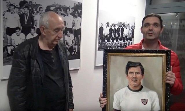 Fanúšik Spartaka namaľoval portrét Jozefa Adamca, venoval ho do siene slávy