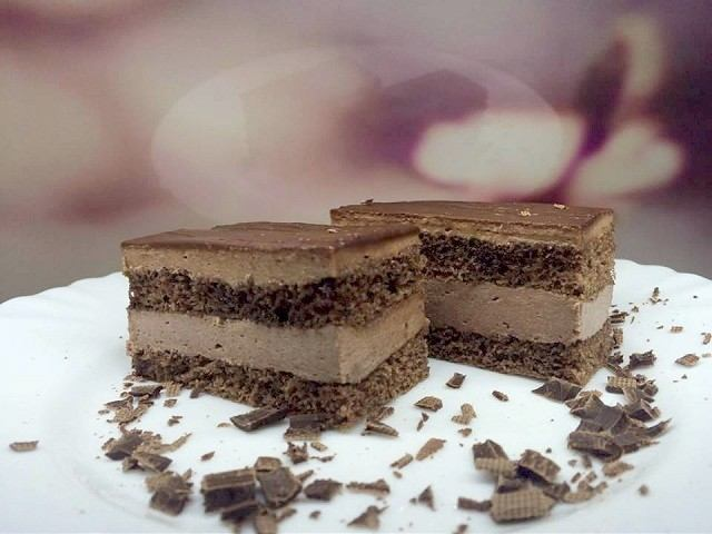RECEPT: Tento šťavnatý čokoládový rez dostane vaše chuťové bunky