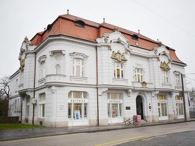 Krajskí poslanci odvolali z funkcie aj riaditeľky trnavskej knižnice a múzea