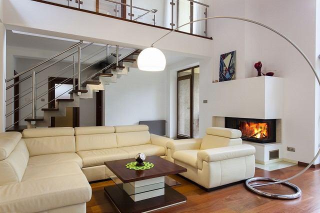 Nábytok a bytové doplnky vhodné do obývačky, ktoré zmenia interiér k lepšiemu