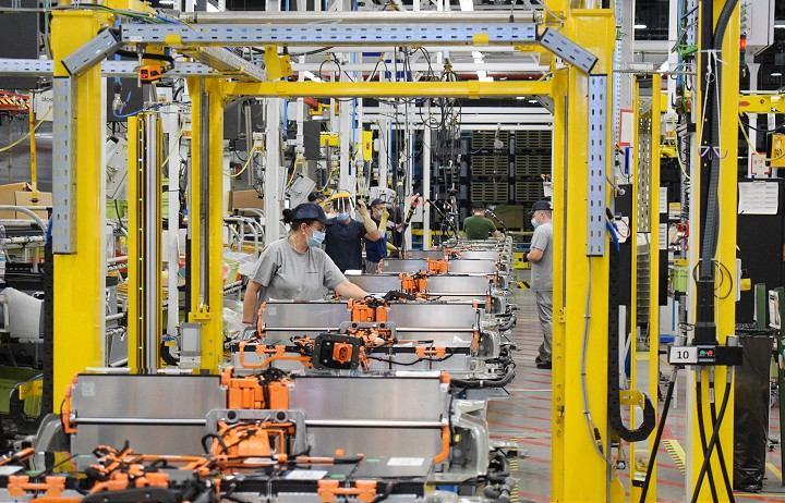 Vyjednávanie o platoch v trnavskej automobilke: Odbory prijali návrh spostredkovateľa pozitívne