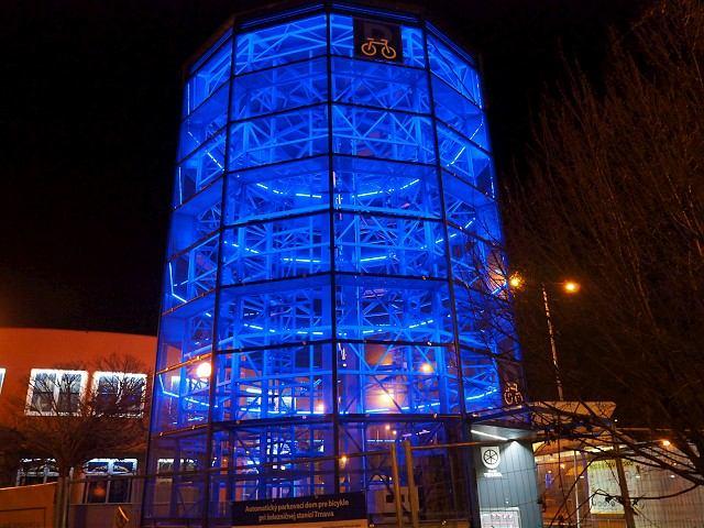 V Trnave otvorili parkovací dom pre bicykle, je prvý na Slovensku